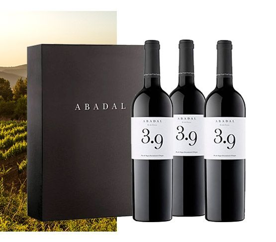 ABADAL 3,9  Vino de Finca Estuche de 3 Botellas + Invitación  de Enoturismo
