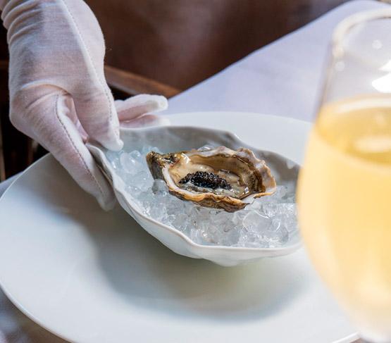 ESPECIAL BELLE HUITRE Gold Beach NO2 12 unidades +  Lata de Caviar Siberian 10g + Cuchillo